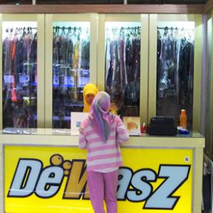 De WasZ at Puri Indah Mall