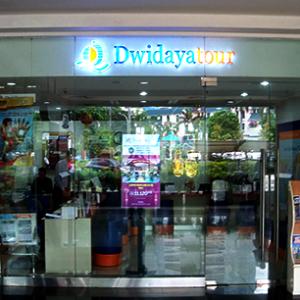 Dwidaya Tour at Puri Indah Mall